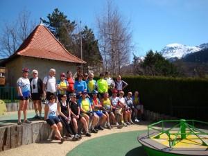 le groupe dans le jardin du curé à Pinet d'Uriage