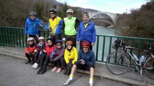 Le groupe des Roues Cooldevant le Pont Lesdiguiéres