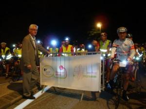 serge GROS maire de Vizille va donner le départ du BRA 2011.jpg