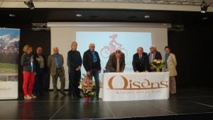 signature de la convention de label par Robert MASSION vice président de la FFCT.jpg