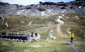 Descente du col de la Fourclaz sur le Petit Saint Bernard