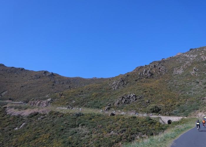 dans le maquis de Madeloc et le ciel bleu comme en Oisans