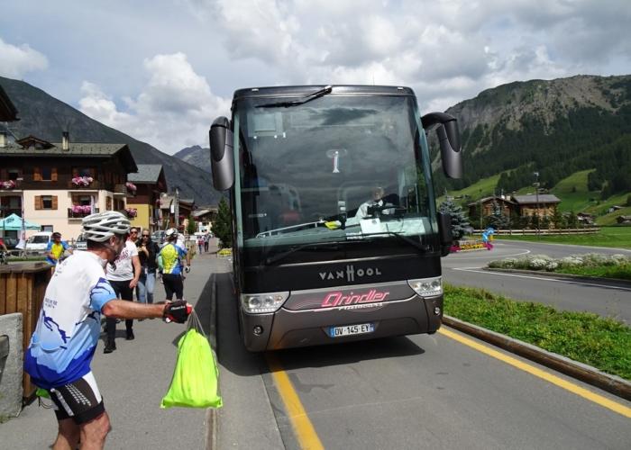 notre bus d'assistance à Livigno le 28 août